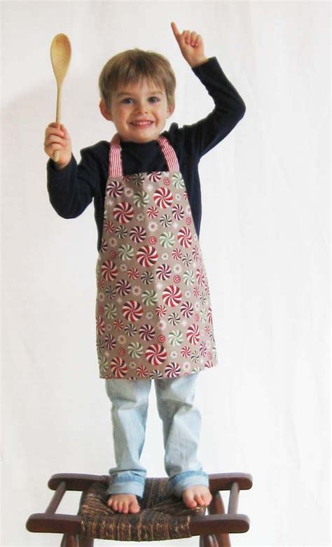 apron pattern with d ring sewing an adorable children s apron for your little helper