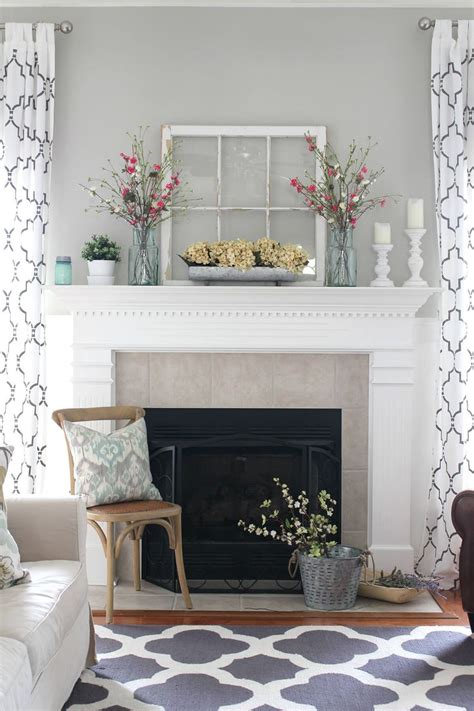 Fireplace With Mantel - 35 rustic farmhouse living room design and decor ideas for your home country fireplace