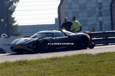 koenigsegg crash test koenigsegg agera r test mule crashes on the ring two injured