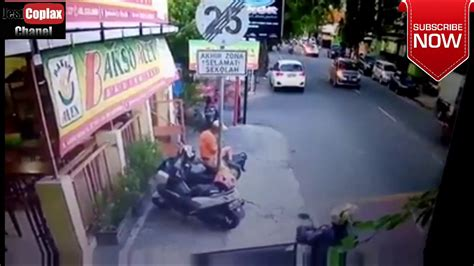Kamera Mundur Gtr Ertiga Ngeri Detik2 Kecelakaan Maut Terekam Kamera Cctv Di Jalan