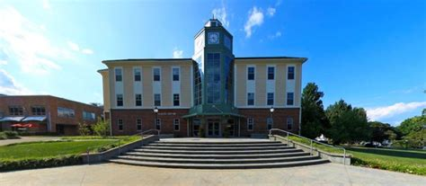 thames mitchell college the 50 best colleges by the sea best college reviews