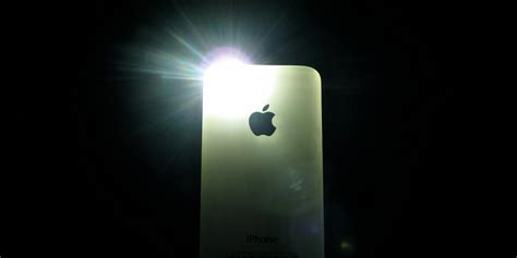 How To Turn On Light On Iphone by How To Turn Flashlight On Iphone Devices Tips And