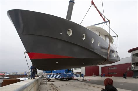 houseboat tasmania harbourhome tasmania