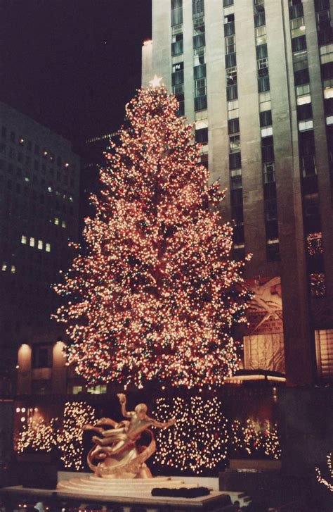 rockafeller center tree lighting rockefeller center tree