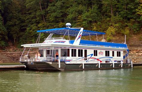 lake cumberland rent a boat best 25 lake cumberland houseboat rentals ideas on
