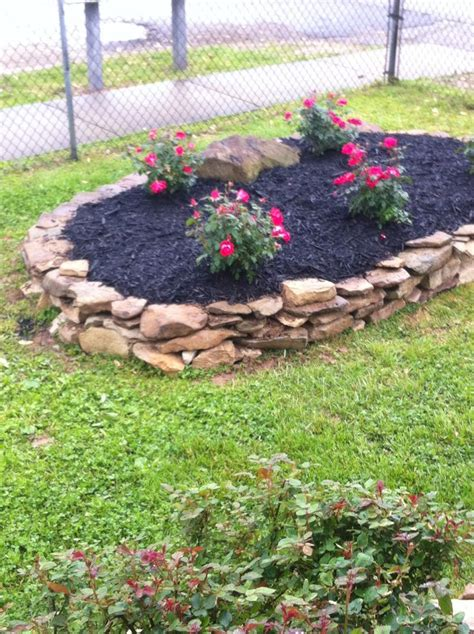 flower bed rocks creek rock flower bed yard stuff pinterest beds