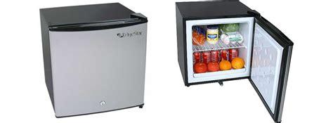 Small Desk Refrigerator Fridge Mini Fridge On The Hunt Avanti Mini 2 Door Mini Fridge With Freezer Ideas Mini