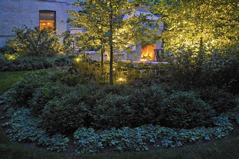 Landscape Lighting Chicago Garden Lighting Brings The Nighttime Landscape To Chicago Tribune