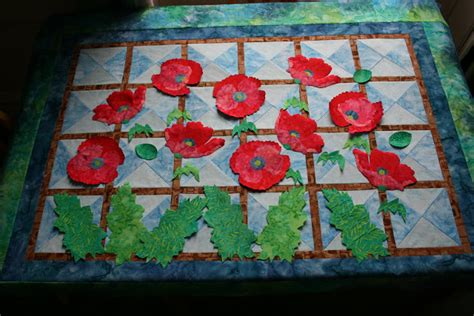 Poppy Quilt Pattern by Happy Days Quilting Poppy Quilt