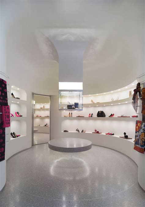alexander mcqueen flagship store  pentagram los angeles