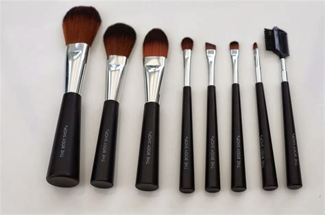 Make Up The Shop emtalks the shop make up brush collection review