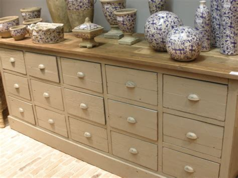 tiroir secret meuble tiroirs secrets lili