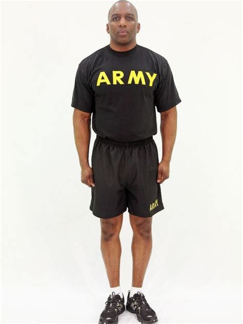 us army new pt uniform 2014 army physical fitness uniform gets golden makeover