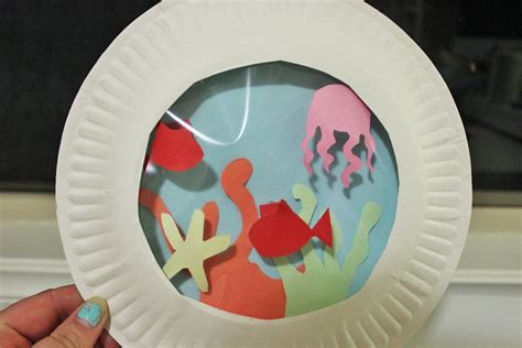 Toddler Paper Plate Crafts - paper plate aquarium my kid craft