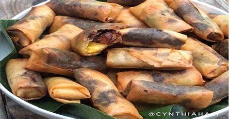 mencicipi pisang cokelat keju  lumer  mulut rasanya