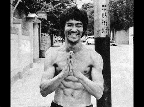 bruce lee real biography bruce lee death reasons bruce lee biography youtube
