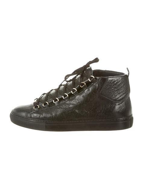 balenciaga sneakers mens balenciaga arena sneakers shoes bal27632 the realreal