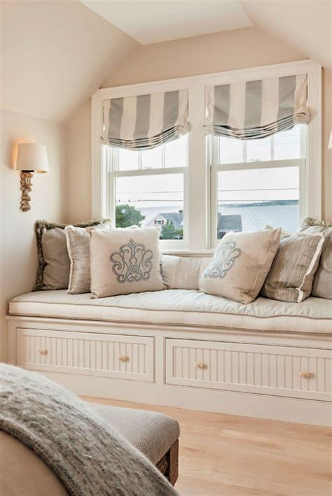 comfy seats for bedrooms 25 best ideas about window seat curtains on pinterest bay window seats diy bay