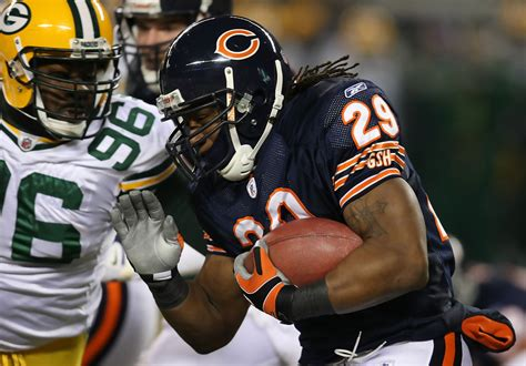 chicago bears c 4 michael montgomery in green bay packers v chicago bears