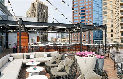 Chicago Roof Top Bars by The 15 Best Rooftop Bars And Restaurants In Chicago Purewow