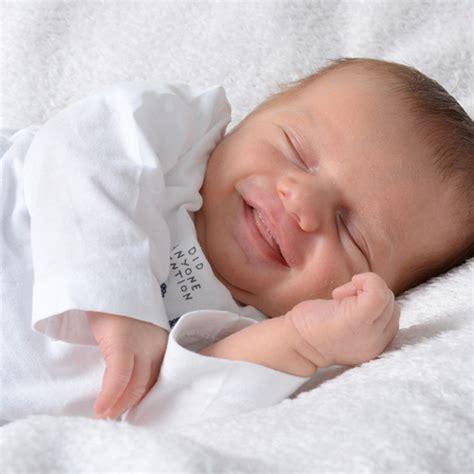 baby wann durchschlafen 8 monate baby entwicklung i meine erfahrungen i mellis