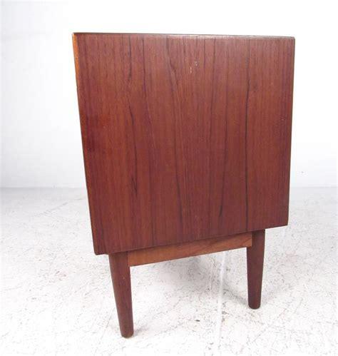 pair of scandinavian modern teak nightstands at 1stdibs pair of scandinavian modern teak nightstands for sale at