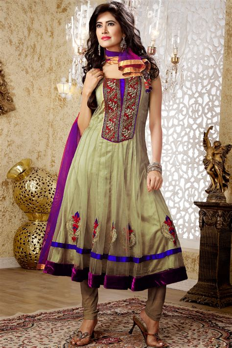 Designer Indian Wedding Dresses by Wedding Dress Designers India