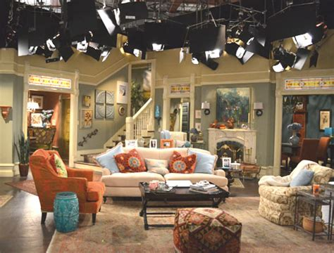 sitcom sets cinema style 2011 09 11