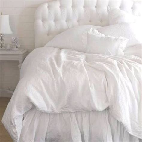 fluffy white comforter best 25 fluffy white bedding ideas on pinterest white