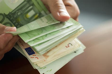best exchange rate high pound to exchange rate live sterling hits high of 1