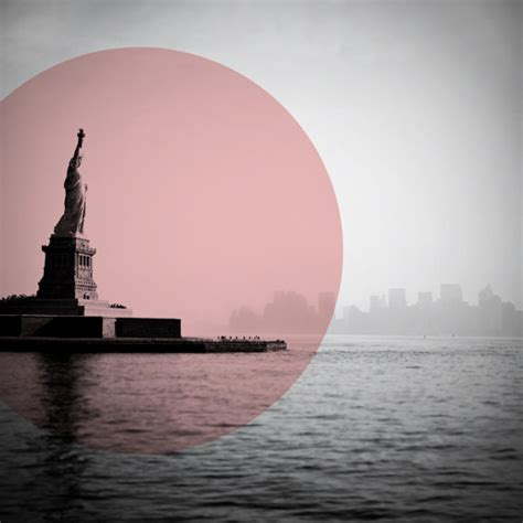 Tetonis Ts 03 White Black Pink Original statue of liberty photo with geometric pink color pop
