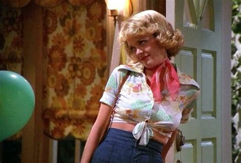 lisa robin kelly that 70s show laurie lisa robin kelly laurie sitcoms online photo galleries
