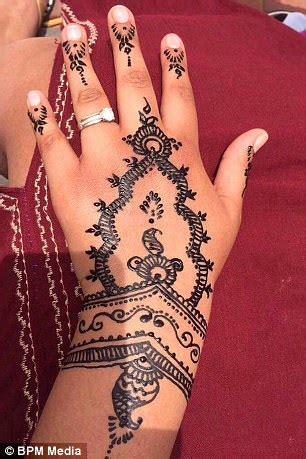 henna tattoo nightmare for british holidaymaker in morocco henna nightmare for holidaymaker in morocco