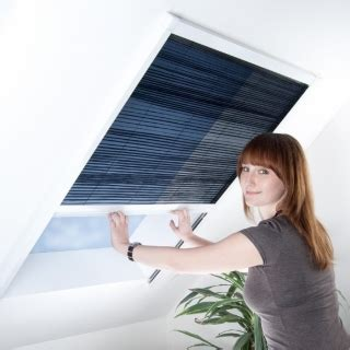 Insektenschutz Und Verdunkelungsrollo Für Dachfenster by Dachfenster