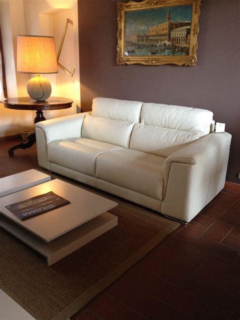 divani in vera pelle divano in vera pelle scontato divani a prezzi scontati