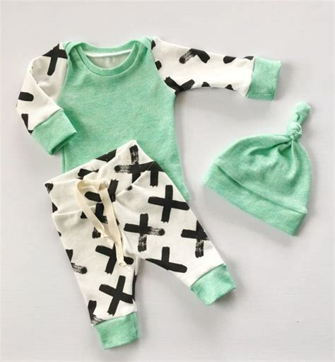 newborn baby clothes 25 best ideas about baby boys clothes on baby