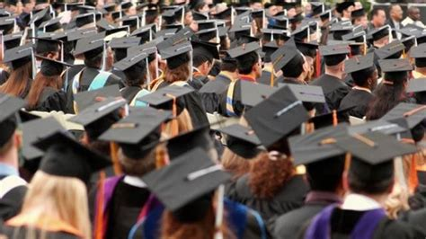 Graduation Rates Mba by Gets Degree After Helping