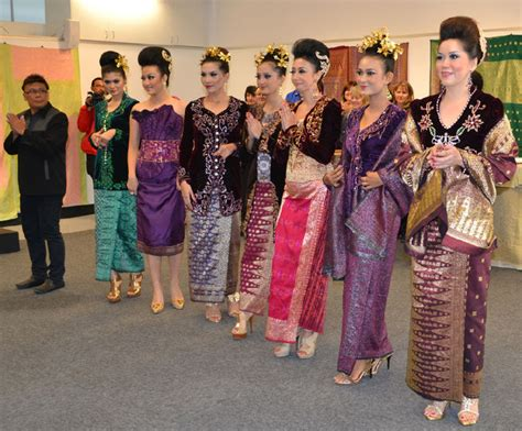 Baju Muslim Palembang songket fashion show in palembang punya indonesia songket fashion fashion