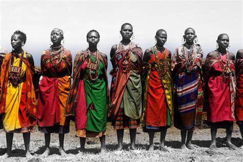 trending ladies wear kenya women in traditional kenyan clothing wonderful colours