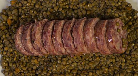 cucinare lenticchie e cotechino ricetta cotechino e lenticchie ricette di buttalapasta
