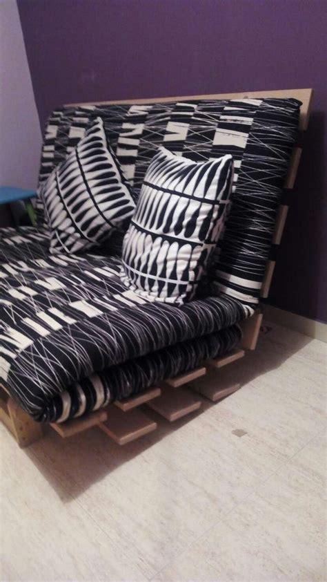 colchon sofa cama ikea sofa cama de ikea el colchon es blanco y esta un poco