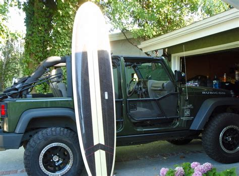 jeep with surfboard surfboard on jeep how to pics jk forum com the