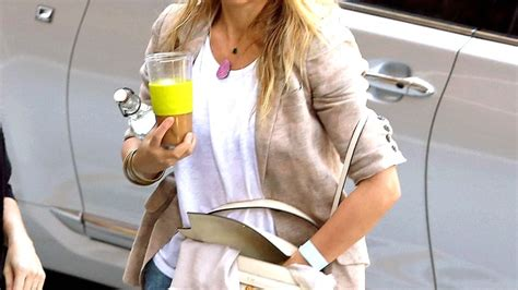 Cameron Diaz Steps Out With Purse by Cameron Diaz Carries Purse With Quot Cm Quot Initials For Cameron