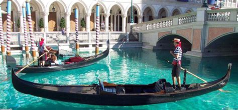 gondola boat figure italy information and fun facts