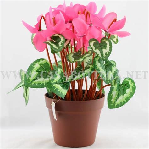 vaso con fiori fiori finti cicalmini