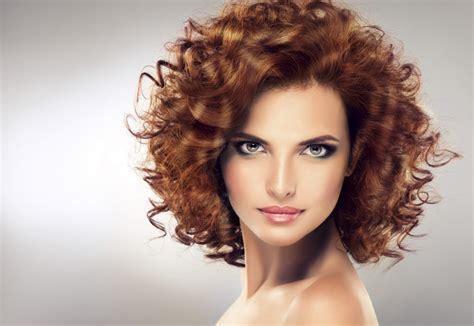 per chi ama i capelli corti su capelli estetica it capelli ricci i tagli corti e lunghi pi 249 di tendenza per