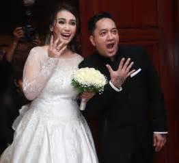 detail pernikahan feby febiola  ayah petra sihombing