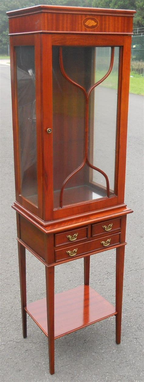 Small China Cabinet Display by Small Mahogany China Display Cabinet On Stand
