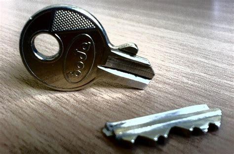 come si apre una porta senza chiave centro chiavi grosso riparazione chiavi duplicazione
