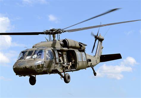 Helikopter Sikorsky Uh 60d Black Hawk sikorsky uh 60 black hawk